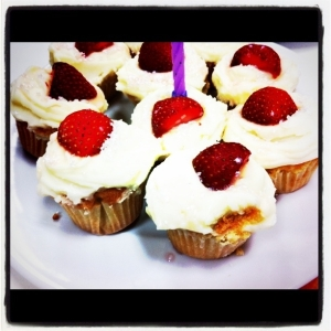 strawberries cupcakes photo