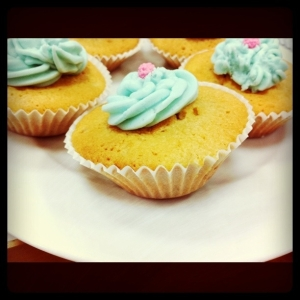raspberry flavour cupcakes photo